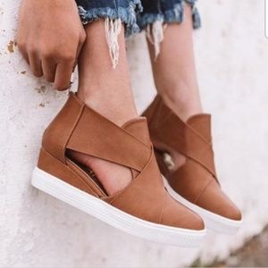 NEW cut out wedge sneakers
